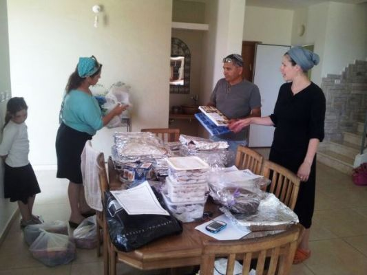 אלי אסקוזידו גאה בתושבי המועצה שיזמו משלוחים למשפחות החטופים