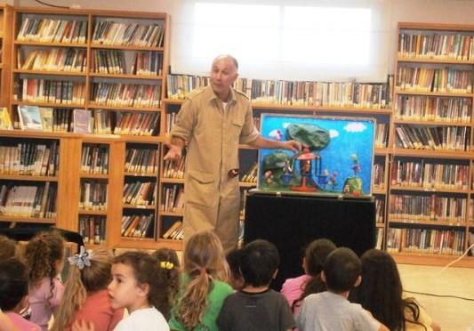 אלי אסקוזידו תומך בפעילות הספריות גם השנה