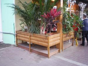 אדניות מעץ איכותי מזמינים אצל א.צ ג'רבי